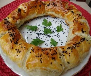 ıspanaklı simit böreği