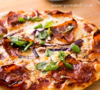 ev yapımı pizza yapılışı
