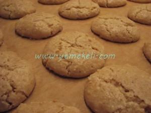 Acı badem kurabiyesi