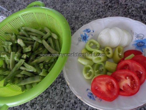 zeytinyağlı fasulye dizmesi