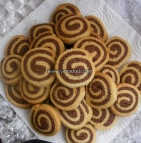 iki renkli kurabiye tarifi
